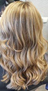 schneiden lockiges Haar - Friseur Carina Salzburg